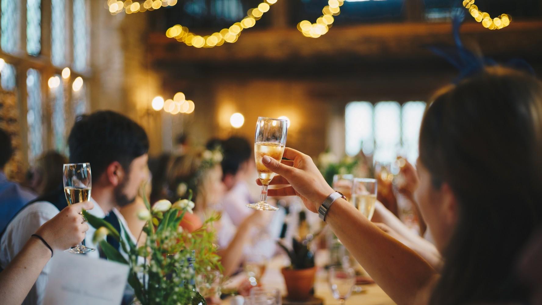 Čím si připít na svatbě